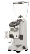 Moulin à café à meules plates - Puissance (w) : 825 - Production horaire : 20 kg / h