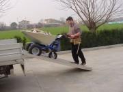 Brouette électrique 500 kilos - Brouette pour transport aliments, foin, gravats, ...