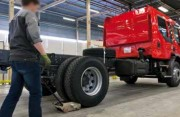 Tireur pousseur 80 tonnes