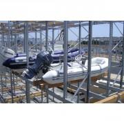 Rayonnages pour stockage de bateaux