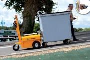 Tracteur pousseur poubelles