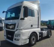 Location tracteur routier MAN pour produits dangereux - Location poids lourd utilitaire norme Euro 6, 18 tonnes