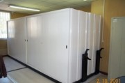 Rayonnage dos d'armoire mobile