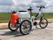Tricycle électrique pour désinfection de mobilier urbain