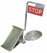 Cale roue avec panneau stop