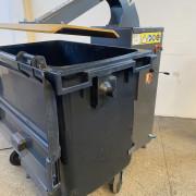 Tasseur de poubelles et sacs - Réduisez jusque par 4 le volume de vos déchets ménagers.