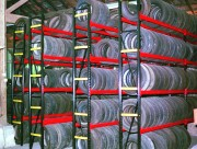Rayonnage semi lourd pièces automobiles - Charge : jusqu'à 1000 kg