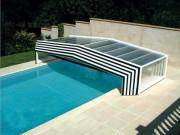Abri bas pour piscine