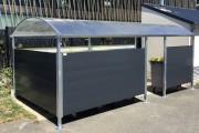 Abri conteneur poubelle en acier galvanisé - Hauteur : 2 m - Pente : 5%