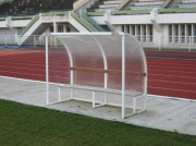 Abri de touche terrain de football - Assise et dossier en bois exotique - Livré démonté