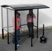 Abri fumeur standard - Structure en aluminium - A installer sur sol béton ou macadam.