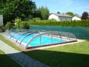 Abri piscine coulissant - Toit en structure aluminium ou thermolaqué de couleur