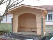 Abribus en bois en kit - Madriers sapin - Dimensions (L x l) m : 3 x 1.50