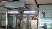 Affichage lumineux aéroportuaire - 3 sections de 12 lignes de 30 caractères et une horloge à 5 chiffres