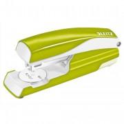 Agrafeuse métal vert anis métalisé capacité 30 feuilles pour agrafes 24/6-26/6. Livrée en blister - Leitz