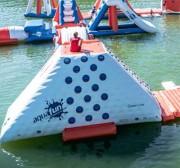 Aire de jeux aquatique - Dimensions : L 50 m x l 35 m