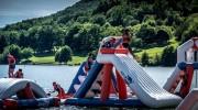 Aire de jeux aquatiques gonflables 105 personnes - Dimensions : L 40 m x l 24 m