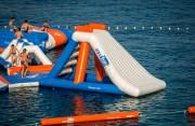 Aire de jeux aquatiques gonflables - Dimensions : L 41 m x l 41 m