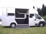 Aménagement camions chevaux - Isolation par mousse de polyuréthanne 40 kg m³ de densité