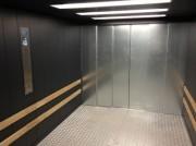Ascenseur de charge hydraulique capacité 10 tonnes - Installation ascenseur sur mesure bâtiment industriel