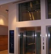 Ascenseur hydraulique conforme norme accessibilité PMR - Ascenseurs à fonctionnement oléodynamique