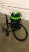 Aspirateur eau et poussière - Débit d'air : 205 m³/h