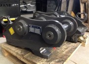 Attache rapide réversible pour pelles 12 à 18 tonnes - Attache engins chantier mécanique ou hydraulique