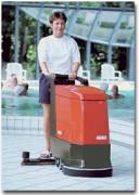 Autolaveuse accompagnante à batteries - Autolaveuse Hakomatic E/B 450/530