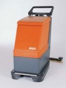 Autolaveuse accompagnante professionnelle autotracté - Modèle à batteries : 530 mm.