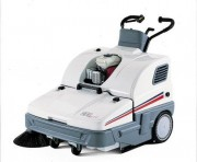 Balayeuse aspirante accompagnée à traction mécanique - SPRINT 900 SH Essence