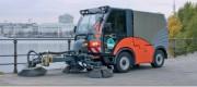 Balayeuse aspiratrice avec cabine pour 2 personnes - Moteur : Puissant moteur industriel turbo-diesel refroidi par eau,VW 2.0 l, L-4V-CR-DPF, 75 kW, (102 CH) à 3 000 tr/min.