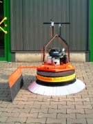 Balayeuse avec moteur à essence - MBR 800 HLR/BSLR