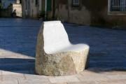 Banc de ville en granit - Dimensions (L x l) : 120 x 100 cm