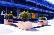 Banc jardinière béton et bois - Lames en bois d'Iroko