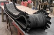 Bande transporteuse caoutchouc à bords - Permet la stabilité des matériaux transportés