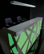 Banque d'accueil lumineuse - Système de rétro-éclairage installé