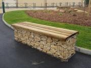 Banquette urbaine en gabion - Structure et système de fixation en acier galvanisé à chaud