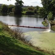 Barrage flottant pollution lentilles d'eau - Longueur : 20 mètres - Hauteur totale : 90 cm - Tirant d'air : 20 cm