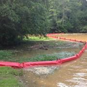 Barrage flottant pollution plantes invasives - Longueur : 25 mètres - Hauteur totale : 90 cm