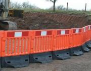 Barrière clôture solide - Dimensions (Lxlxh) : 1.08x0.52x1 m