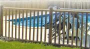 Barrière de piscine bois - Démontable en rondins fraisés