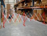 Barrière de sécurité extensible rouge et blanc - Dim. dépliées : 4000x450x950 mm - Dim repliées : 460x450x950 mm