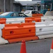 Barrière de sécurité routière lestable - Homologué EN1317- Dimensions (Lxh) : 2x0.88 m