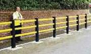 Barrière de sécurité sur platine - Fixation par platine dimensions (L x l) : 180 x 180 mm