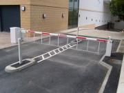 Barrière levante automatique compacte - Longueur barrière : 2 à 6 m - Mécanisme : Hydraulique