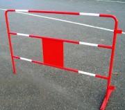 Barrière travaux publics - Coloris rouge avec bandes blanches - 1500 x 1000 mm