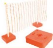 Base plastique orange pour grillage - Base orange lestée au sable pour les clôtures grillagées