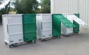 Benne à fond incliné compartimenté - Vidage de déchets en bord de quai, de fosse ou de camion.