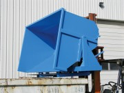Benne basculante renforcée sur pivot pour produits lourds - Volume de 550 à 2500 litres ou de 550 à 1150 litres.