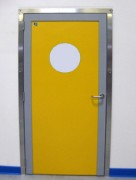 Bloc porte en polyéthylène - Porte de service pour ambiances humides